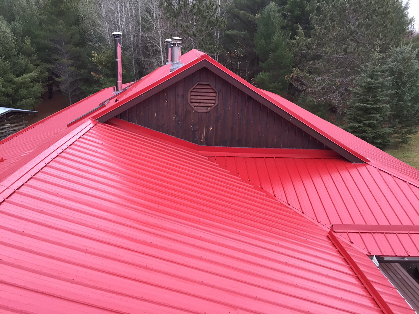 roofing-services-red-steel-gable